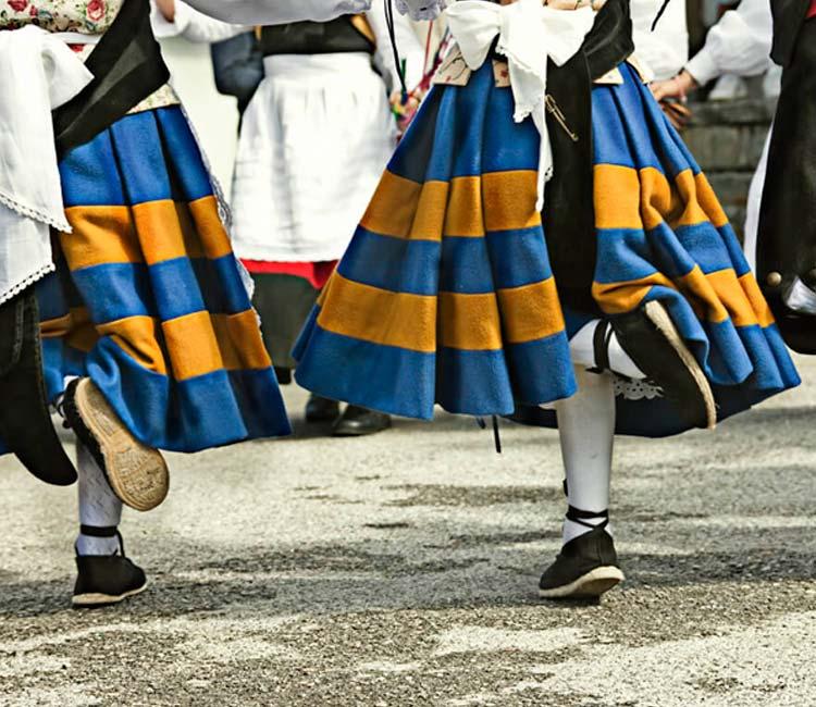 Les Comadres – Fiesta tradicional de las mujeres